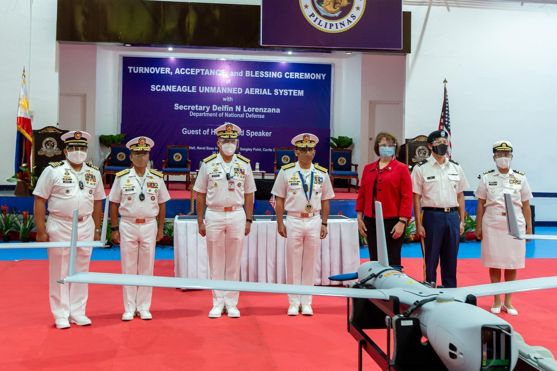 The Philippine Navy has received a ScanEagle Unmanned Aerial System (UAS) from the USA.